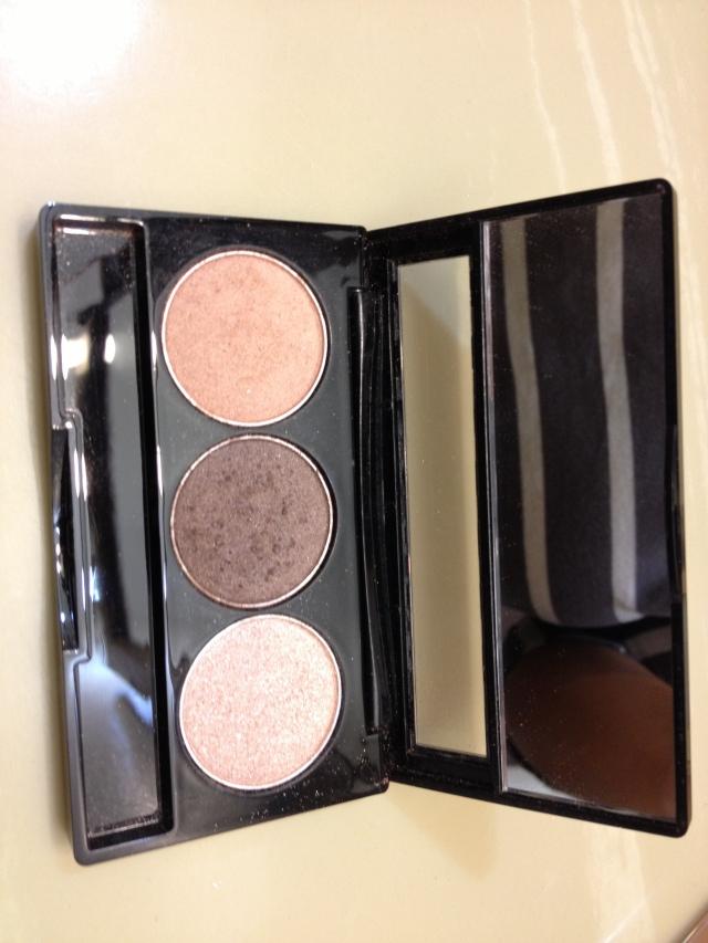 NYX_eyeshadow_swatches_smokey_eye_makeup_beauty_blog