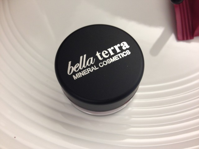 bella-terra-mineral-shadow